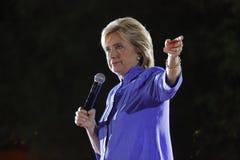 LAS VEGAS NV - OKTOBER 14, 2015: Hillary Clinton gamla U S utrikesminister och 2016 demokratiska presidentkandidat, spea Royaltyfri Fotografi