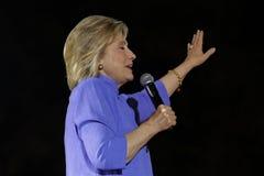 LAS VEGAS, NV - 14 OKTOBER, 2015: Hillary Clinton, vroeger U S Staatssecretaris en de Democratische presidentiële kandidaat van 2 Stock Afbeeldingen