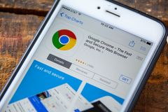 LAS VEGAS, NV - 22 settembre 2016 - IPhone App di Google Chrome dentro fotografie stock