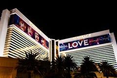 Las Vegas NV, USA 09032018: nattsikt av den hägringsemesterorten och kasinot arkivfoton