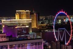 Las Vegas, NV, usa 09032018: NOC widok pasek z najwięcej dziejowi hotele wliczając Caesar pałac, obrazy royalty free