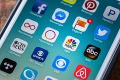 LAS VEGAS, NV - Wrzesień 22 2016 - NBC App ikona Na Jabłczanym iPhon Zdjęcia Royalty Free