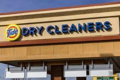 Las Vegas - Około Grudzień 2016: Przypływów Suchych czyścicieli pralni lokacja Przypływ tworzył fachowej suchego cleaning usługa  Zdjęcie Stock