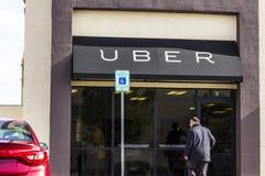 Las Vegas - Około Grudzień 2016: Uber Greenlight centrum Uber kierowcy mogą dostawać osoby poparciu przy Greenlight centrum Mnie Obrazy Royalty Free