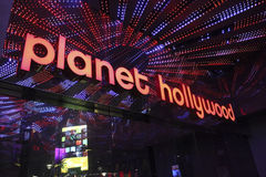 Las Vegas-Planet Hollywood-Signage bis zum Nacht Lizenzfreie Stockfotos