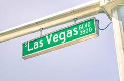 Las Vegas remsavägmärke på boulevarden för huvudsaklig gata Arkivbilder