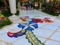 Las Vegas, Stany Zjednoczone Ameryka, Maj - 06, 2016: Kwiaty instalacyjni przy Wynn kasynem i hotelem Zdjęcia Stock
