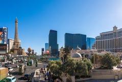 Las Vegas, USA - 27 avril 2018 : Tourtists et trafic sur le veg de Las photographie stock libre de droits