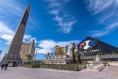 Las Vegas, USA - Kwiecień 26, 2018: Sławny Luxor ostrosłupa hotel ja Obrazy Royalty Free