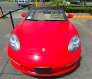 Las Vegas, usa - Maj 05, 2016: Luksusowi i Kolorowi samochody dla Czynszowego czekania w parking supermarket Obrazy Stock