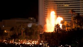Las Vegas, USA-November 07,2017: The Erupting Volcano Show Near The Mirage Hotel stock video