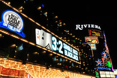 Las Vegas, USA - 10. Oktober: LED-Licht vor Riviera-Hotel und -kasino am 10. Oktober 2011 in Las Vegas, USA Stockbild