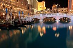 Las Vegas veneciano en la noche fotos de archivo