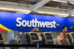 Las Vegas - vers en juillet 2017 : Bureau de billet de Southwest Airlines préparant des passagers pour le départ III Images stock