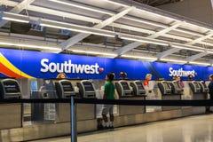Las Vegas - vers en juillet 2017 : Bureau de billet de Southwest Airlines préparant des passagers pour le départ IV Photos libres de droits