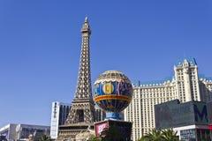 Las Vegas - vers en juillet 2016 : Extérieur de Paris Las Vegas Avec Tour Eiffel réduit de moitié II Photos libres de droits