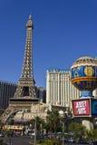 Las Vegas - vers en juillet 2016 : Extérieur de Paris Las Vegas Avec Tour Eiffel réduit de moitié III Photos stock