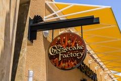 Las Vegas - vers en juillet 2017 : L'emplacement occasionnel I de restaurant d'usine de gâteau au fromage Image libre de droits