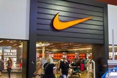 Las Vegas - vers en juillet 2016 : Nike Shoes Retail Mall Location Nike est l'un des plus grands fournisseurs du monde des chauss Photo libre de droits