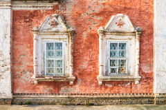 Las ventanas de la iglesia Imagenes de archivo