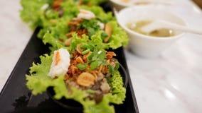 Las verduras envuelven con cerdo y camarón Imagen de archivo libre de regalías