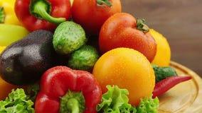 Las verduras frescas giran almacen de metraje de vídeo