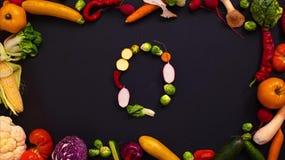 Las verduras hicieron la letra Q almacen de metraje de vídeo
