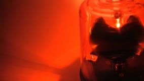 Las vueltas rojas de la sirena se cierran para arriba almacen de metraje de vídeo