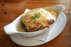 Lasagna cotto Immagini Stock