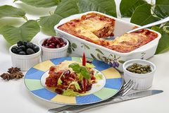 Lasagna Goede eetlust voor iedereen stock fotografie
