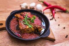 Lasagna's bolognese in een hete pan Stock Afbeelding