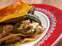 Lasagna's met paddestoelen en rundvlees Royalty-vrije Stock Foto