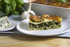 Lasagna's met spinazie stock afbeelding