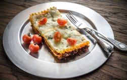 Lasagna's op de metaalplaat Royalty-vrije Stock Foto's