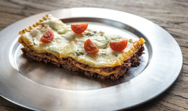Lasagna's op de metaalplaat Stock Fotografie