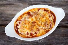 Lasagne al forno casalinghe della pasta Immagine Stock