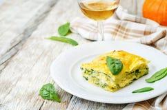 Lasagne al forno degli spinaci di ricotta della zucca Fotografia Stock Libera da Diritti