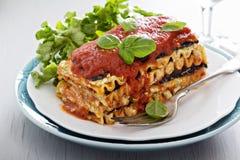 Lasagne al forno del vegano con melanzana ed il tofu Fotografie Stock Libere da Diritti
