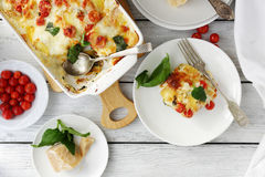 Lasagne al forno saporite con spinaci Fotografia Stock Libera da Diritti