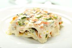Lasagne al forno vegetariane con le verdure ed il formaggio Immagine Stock