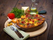 Lasagne auf dem Tisch Stockbilder