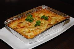 Lasagne dans l'aluminium photographie stock