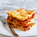 Lasagne di verdure casalinghe calorose Fotografie Stock