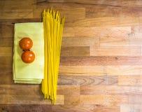 Lasagne et tomates de pâtes images libres de droits