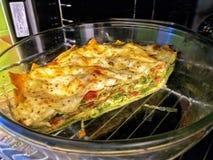 Lasagne fait à la maison frais photo stock
