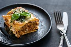 Lasagne mit pesto Stockbild