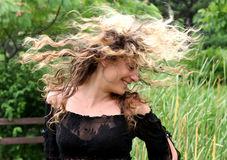 Lasci i vostri capelli giù fotografie stock