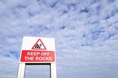 Lasci stare il segno delle rocce Fotografia Stock Libera da Diritti