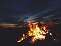 Lasciate bruciare fotografie stock libere da diritti