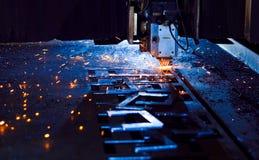 Laser die dicht omhoog snijdt Stock Foto's